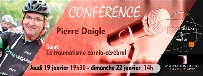 Bannière : Pierre Daigle souriant sur son vélo, casque et gilet de vélo noir. Phoro d'un micro. Logo du Petit théâtre de Québec [trois cercles minces se croisent de manière tridimensionnelle].