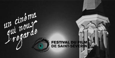 Affichette sur fond de nuit sombre : la lune semble être la seule lumière, qui éclaire un clocher blanc. « Un cinéma qui nous regarde ».  Le logo du Festival est superposé sur la lune, soit dessin d'un oeil féminin turquoise.