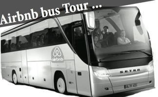 Affichette : photo noir-blanc un gros autobus voyageur, avec un logo de airbnb. « Airbnb Bus Tour ... »