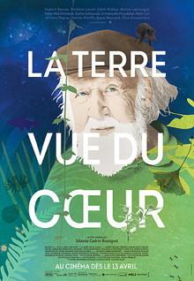 Affiche : peinture du visage de M. Reeves derrière un ciel bleu foncé et étoilé la nuit et sur de grandes feuilles vertes.
