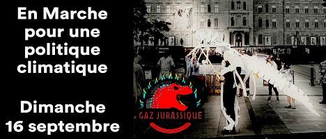 Bannière sur fond noir : photo d'une personne déguisée en dinosaure squelettique blanc (porté sur son dos) devant l'Assemblée nationale du Québec. Logo de la campagne « Gaz jurassique », soit une tête de dinosaure rouge vif.