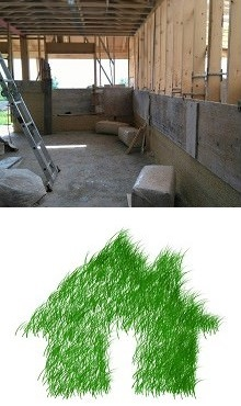 Photo de l'intérieur d'une future maison en construction, donc structure de bois en 2 par 4 (pouces). Dessous, dessin simple d'une maison de gazon vert intense.