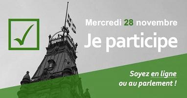 Affichette horizontale : photo grise de la tour du parlement au Québec. Le bas est coupé par un filtre vert en diagonal. Dessin d'un crochet vert de vote. « Je participe - Soyez en ligne ou au parlement ! »