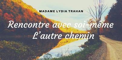 Affichette sur fond d'une photo d'un lac entouré d'une forêt d'automne.</body></html>