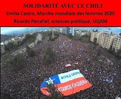 Miniature de l'affiche, sur fond rouge : photo aérienne d'une foule dense et énorme. Un drapeau géant est tenu au-dessus d'une partie de la foule.