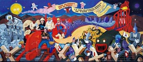Peinture colorée et complexe : de multiples collines, personnages, objets difformes, dont une montagne russe rouge et un train féroce vert, se mélangent sur un plan panoramique. Une banderole invoque la solidarité en espagnol.