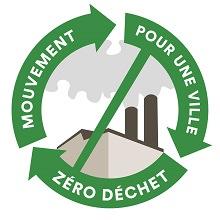 Logo 2020 du mouvement : trois flèches vertes forment un cycle (cercle) autour d'un dessin de cheminées d'usine, barré par une ligne.