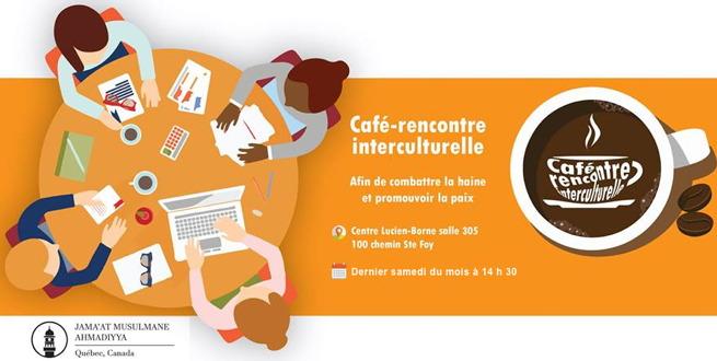 Bannière web sur fond orange caramel : dessin de quatre personnes autour d'une table ronde échangeant des papiers, cartes, café.