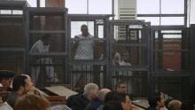 La photo montre des accusés lord d'un procès en Égypte que le reporter Jesse Rosenfeld a couvert. Parmi eux, Mohamed Fahmy, journaliste à la double nationalité canadienne et égyptienne qui a été détenu de décembre 2013 à février 2015.