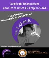Affiche sur fond gris et mauve : photo noir/blanc de Lady Waters, regard concentré sur son clavier. Logo Projet LUNE et Pub Limoilou.
