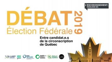 Affiche sur fond blanc : en lettres jaune-orange ou d'orées « Débat élection fédérale 2019 » et une feuille d'érable d'orée. Logo des cinq organismes nommés ci-contre.