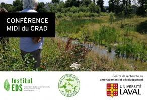 Affiche : photo d'un homme vu de dos, cheveux blancs, qui regarde un ruisseau dans un champ sauvage. « conférence midi du CRAD »